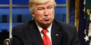 ALEC BALDWIN RETURNS TO SNL AND YOU WON'T BELIEVE WHO HE HAS WITH HIM!